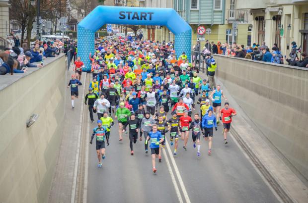 Bieg na 5 kilometrów ukończyły 423 osoby.