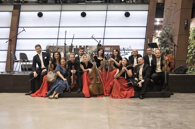 Podczas Wielkiej Gali Jubileuszowej Cappella Gedanensis zagra pod dyrekcją Aliny Kowalskiej-Pińczak, założycielki zespołu oraz Rafała Kłoczko, który regularnie z nim współpracuje.