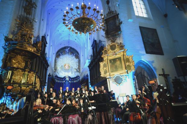 Cappella Gedanensis zagrała pod dyrekcją założycielki zespołu, Aliny Kowalskiej - Pińczak oraz Rafała Kłoczko - zdolnego, młodego dyrygenta, który od kwietnia rozpocznie staż w Operze Wiedeńskiej.