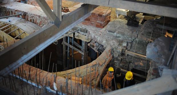 Trwa rekonstrukcja romańskiego refektarza. Zwiedzający będą mogli go zobaczyć w 2012 r.