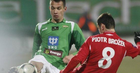 Krzysztofa Bąka dobry występ w Krakowie może przybliżyć do reprezentacyjnego powołania. Piotr Brożek strzelił gola w ostatnim meczu z Lechią, ale samobójczego.
