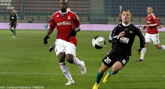 Paweł Buzała na mecz w Krakowie wrócił do pierwszego składu, ale tym razem gola nie strzelił, a Lechia przegrała przez brak skuteczności i kontrowersyjnej decyzje sędziego.