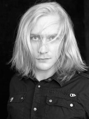 Z rolą Geralta z Rivii zmierzy się także aktor Teatru Muzycznego w Gdyni, Krzysztof Kowalski.