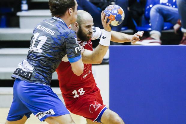 Wybrzeże przegrało z Górnikiem, a Paweł Niewrzawa przypłacił występ urazem kolana.