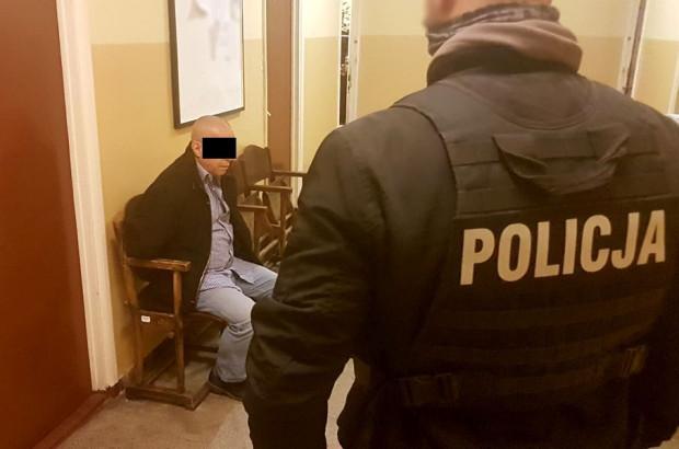Obu zatrzymanych sąd aresztował na trzy miesiące.