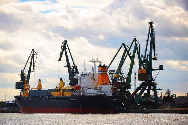 Port Gdański Eksploatacja prowadzi obsługę wszystkich ładunków występujących w obrocie portowym w polskich portach.