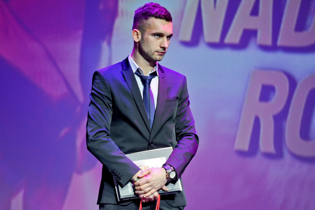 Za rok 2014 Damian Garabacik został uznany za sportową nadzieję Gdańska. W 2016 roku obrońca sprzedany został do GKS Katowice, a pół roku wcześnie grał w ramach wypożyczenia w Chojniczance.