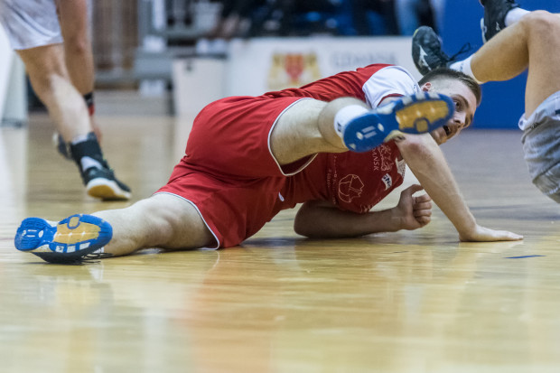 Łukasz Rogulski był najskuteczniejszym zawodnikiem meczu w Kwidzynie rzucając 8 bramek. Nie uchronił jednak Wybrzeża od porażki.