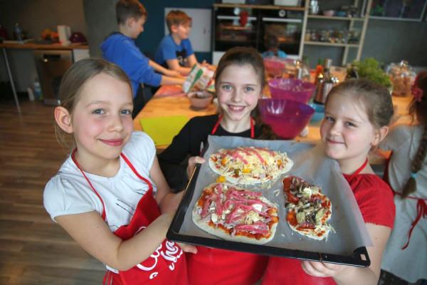 Cook And Have Fun to studio kulinarne do najmłodszych. Gotowanie łączy się tutaj z dobrą zabawą.
