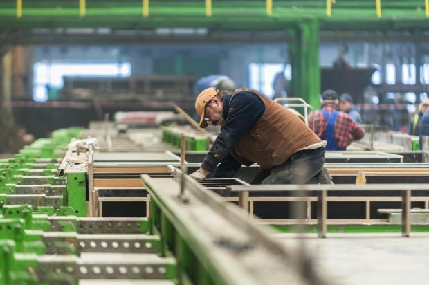 Pekabex otworzył swój oddział pod koniec 2015 r. i obecnie zatrudnia ok. 270 pracowników, w tym 100 z Ukrainy.