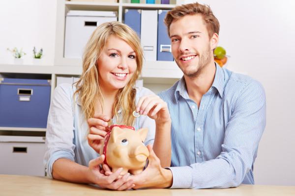 Podniesienie stóp procentowych oznacza, że raty kredytów będą wyższe i konieczne będą zmiany w domowym budżecie.
