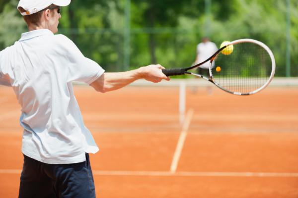 Sezon na grę na otwartych kortach tenisowych za pasem. W Trójmieście obiekty są już gotowe, ale wszystko zależy od pogody.