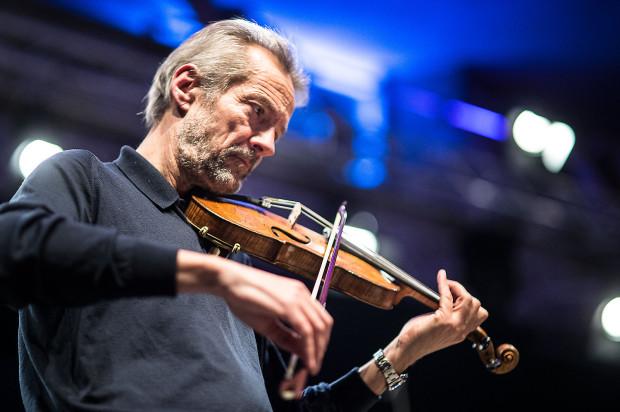 Do Gdańska powrócił również Giuliano Carmignola, który tym razem wystąpił z Cappellą Gedanensis. Na zdj. podczas próby przed jednym z koncertów, odbywających się w ramach Actus Humanus w 2015 roku.