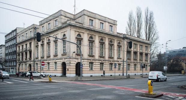 Współczesny widok dawnego Banku Polskiego. Jego właściciel deklaruje, że w ciągu ok. roku, zarówno elewacje, jak i wnętrza obiektu, odzyskają przedwojenny blask.