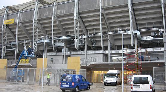 W piątek stadion odwiedzili tylko robotnicy i deszcz. W niedzielę będą to mogli zrobić wszyscy zainteresowani.