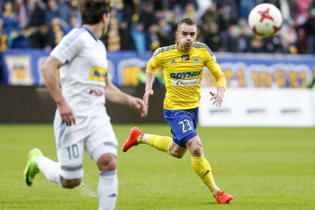 Marcin Warcholak cieszy się, że po zmianie szkoleniowca boczni obrońcy Arki Gdynia zaczęli grać bardziej ofensywie.