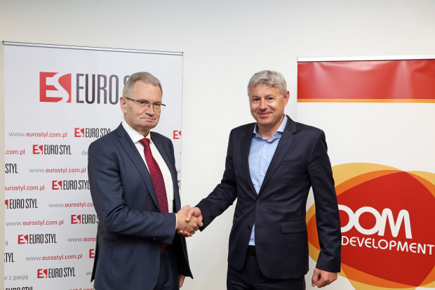 Jarosław Szanajca, prezes Dom Development i Mikołaj Konopka, wiceprezes Euro Stylu.