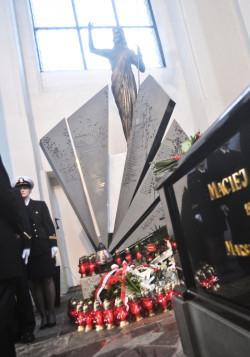 Epitafium stanęło przy sarkofagu Macieja Płażyńskiego.