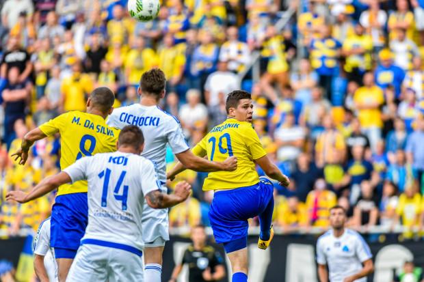 Po pauzie za nadmiar żółtych kartek do kadry Arki wraca Michał Marcjanik. Czy w najważniejszym momencie sezonu będzie w stanie poprawić defensywę gdyńskiej drużyny?