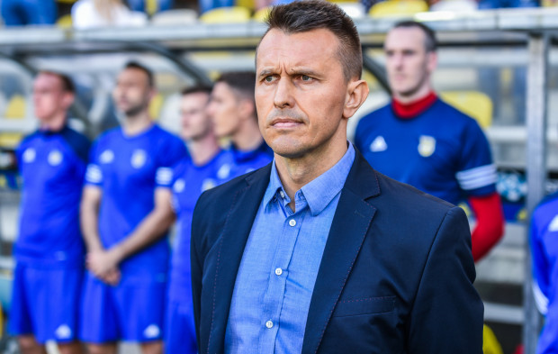 Leszek Ojrzyński ma za zadanie utrzymać Arkę w ekstraklasie. Jeśli się to powiedzie, prawdopodobnie zostanie w Gdyni na kolejny sezon.
