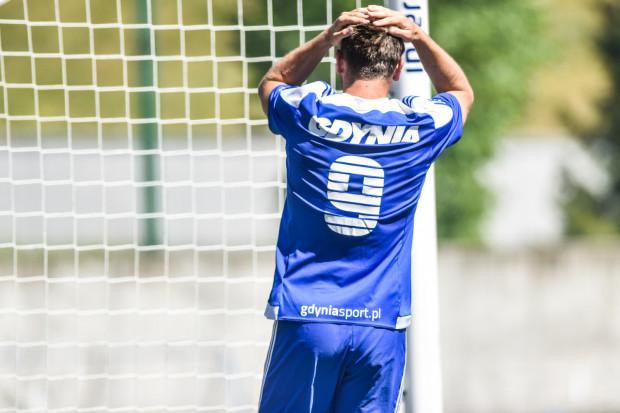 Na koniec sezonu może okazać się, że właśnie porażką z Lechem II Poznań piłkarze Bałtyku przekreślili szanse na awans do II ligi. Na zdjęciu Tomasz Bejuk, który zagrał we Wronkach cały mecz.