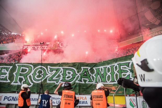 Kolejne kary za pirotechnikę. Lechia ma zapłacić 20, a Legia 40 tysięcy złotych.