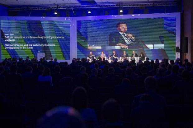 Zainicjowany w 2011 roku Europejski Kongres Finansowy jest debatą o dobrych rozwiązaniach dla wspólnego sukcesu Polski i Unii Europejskiej. Corocznie uczestniczy w nim ponad 1000 przedstawicieli europejskich i krajowych instytucji administracyjnych, przedstawicieli świata biznesu, polityki i nauki, regulatorów i nadzorców oraz mediów