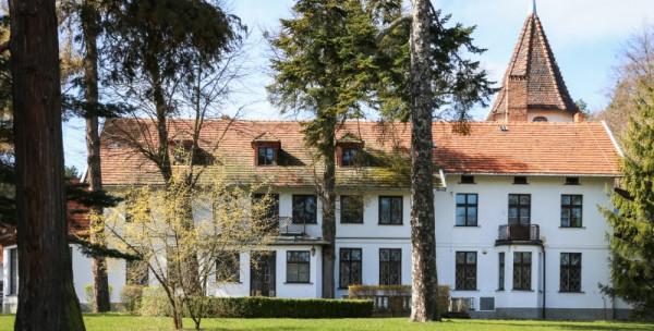 Umowa przedwstępna została już podpisana na sprzedaż zespołu dworsko-parkowego Ludolfino przy ulicy Czyżewskiego.