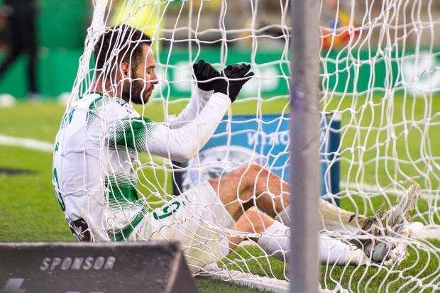 Jakich piłkarzy zatrudnić, by to piłka, a nie piłkarze wpadali częściej do bramki rywali Lechii? Na zdjęciu Simeon Sławczew, który jest stanowczo za drogi, by wykupić go ze Sportingu Lizbona.