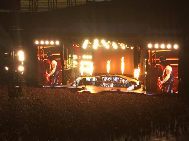 Koncert trwał trzy godziny. Wzięło w nim udział ponad 40 tysięcy widzów.