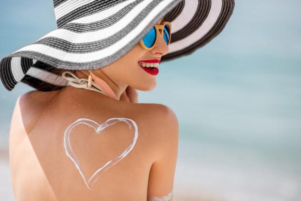 Zabiegi oferowane w gabinetach kosmetycznych pomagają nawilżyć, ujędrnić, a nawet wyszczuplić poszczególne partie ciała.