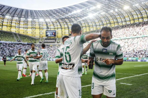 Piłkarze Lechii Gdańsk w ostatnich latach nie tylko ustabilizowali wyniki na miejscach 4-5 w ekstraklasie, ale także wypracowują trwale przychody sięgające co najmniej 45 mln zł na sezon.