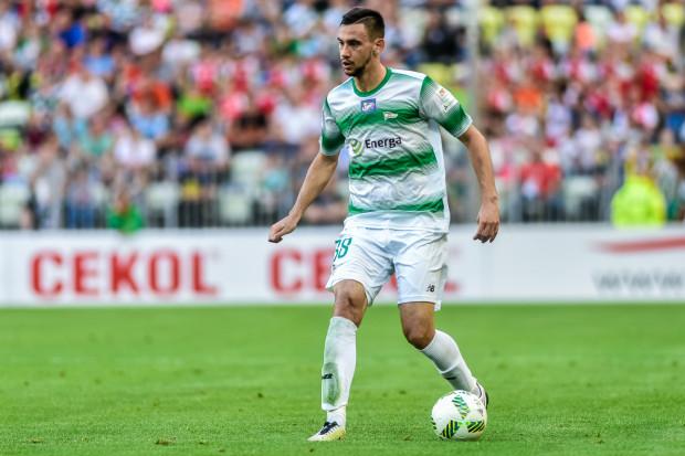 Milen Gamakow zaliczył słaby, debiutancki sezon na polskich boiskach. Jesienią bułgarski defensywny napastnik zagrał w 5 oficjalnych meczach Lechii. Wiosną, w ramach wypożyczenia Ruchu zagrał jedynie dwukrotnie, łącznie przez 37 minut.