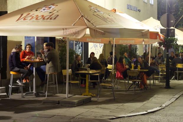 Na rogu ul. Straganiarskiej i Lawendowej działają trzy puby serwujace piwa rzemieślnicze: Lawendowa 8, Cafe Lamus i Pułapka. To tu w pierwszy weekend sierpnia odbędzie się impreza Craft Beer Fiesta.