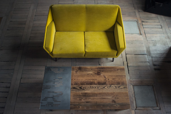 Sofa handmade, 7900 zł, stolik Five O'Clock, 6350 zł