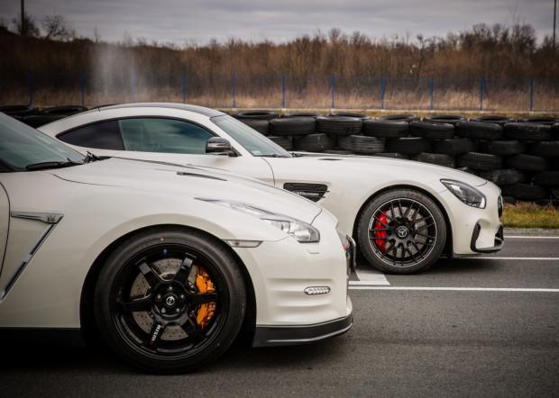 Uczestnicy szkolenia poznają możliwości piekielnie szybkich Mercedesów-AMG oraz Nissana GTR.