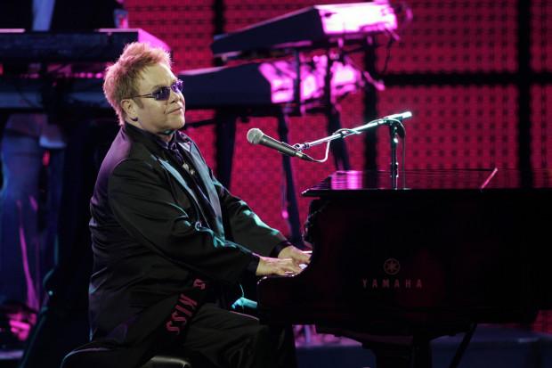 Jak twierdzą hotelarze, turyści coraz częściej wybierają Trójmiasto z uwagi na atrakcje. Magnesem jest np. koncert dużej międzynarodowej gwiazdy, np. Bon Jovi czy ostatnio Guns N'Roses. W lutym przyszłego roku czeka nas zlot fanów Depeche Mode, a już za kilka dni wielbicieli talentu Eltona Johna.