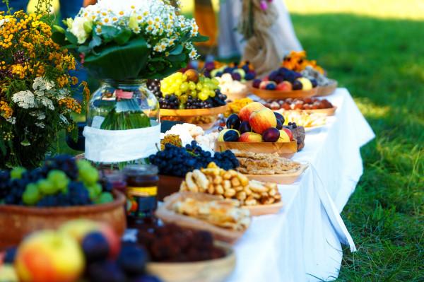 Część gości obawia się, że na wegetariańskim lub wegańskim weselu nie uda im się najeść. Ile w tym prawdy?