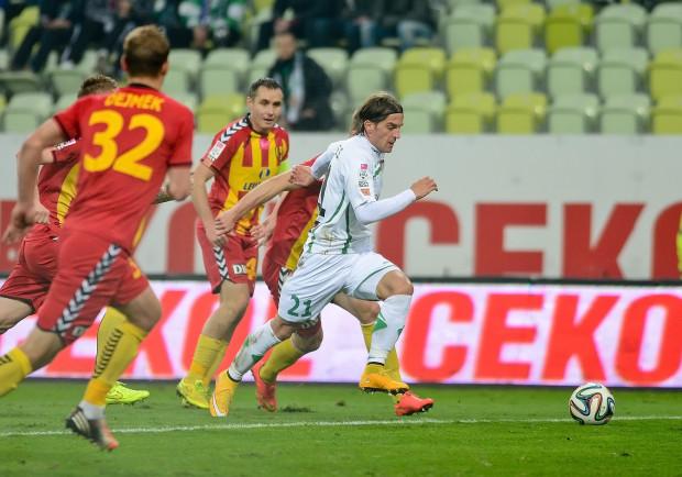 Paweł Golański (w środku) nie będzie kolejnym piłkarzem w Arce, z którym wcześniej pracował Leszek Ojrzyński, ale poleca do Gdyni chorwackiego skrzydłowego.