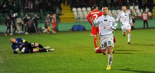 Paweł Buzała strzelił drugiego gola dla Lechii i asystował przy pierwszym. Napastnik Lechii ogłosił przed meczem, że zepsuje debiut w Widzewie trenera Michniewicza i słowa dotrzymał.
