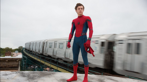 """""""Spider-Man: Homecoming"""" wyróżnia się na tle pozostałych marvelowskich produkcji wyraźnym sprofilowaniem na kino młodzieżowe."""