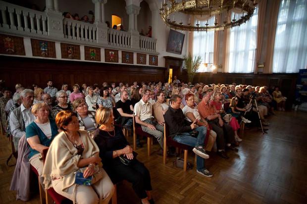 Publiczność nam się starzeje. Jeśli młode pokolenie nie przekona się do opery czy filharmonii, może się za kilkadziesiąt lat okazać, że instytucje te nie są nikomu potrzebne.