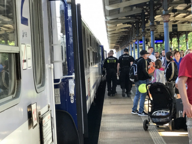 Ewakuacja pociągu TLK Stańczyk na stacji w Sopocie.