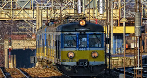 Pociąg serii EN-57 o numerze 838 - najstarszy skład trójmiejskiego przewoźnika. Pochodzi z 1971 r.