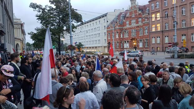 Poniedziałkowa manifestacja na Nowych Ogrodach w Gdańsku.
