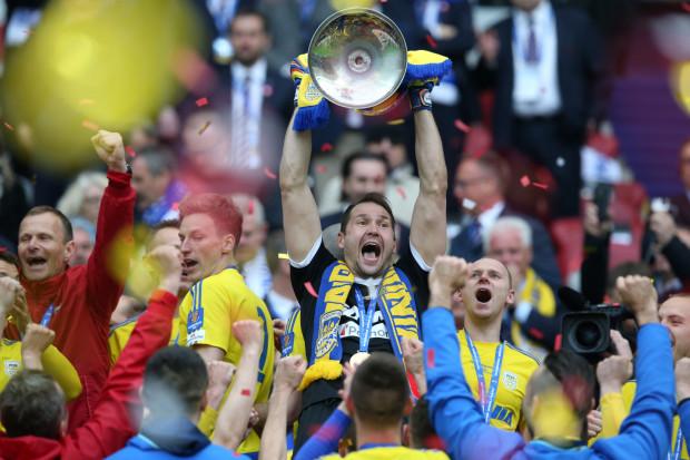 Arka Gdynia będzie broniła Pucharu Polski. Tak żółto-niebiescy cieszyli się z triumfu w maju tego roku.