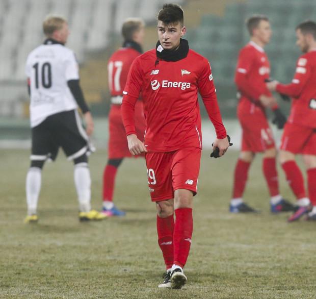 Karol Fila wzoruje się na hiszpańskim rozgrywającym Arsenalu Londyn - Santi Cazorli, a w Lechii Gdańsk pod swoje skrzydła wziął go Sebastian Mila.