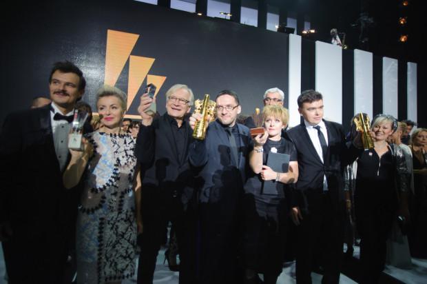 """Ubiegłorocznym triumfatorem najbardziej prestiżowych nagród w Polsce przyznawanych w Gdyni okazał się film """"Ostatnia rodzina"""" Jana P. Matuszyńskiego. Filmową historię rodziny Beksińskich nagrodzono czterema statuetkami, w tym najważniejszą - za najlepszy film."""