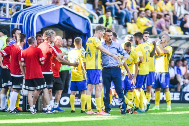 Leszek Ojrzyński stara się rozważnie gospodarować siłami piłkarzy, gdyż weszli oni w rytm meczów granych trzy razy w tygodni.