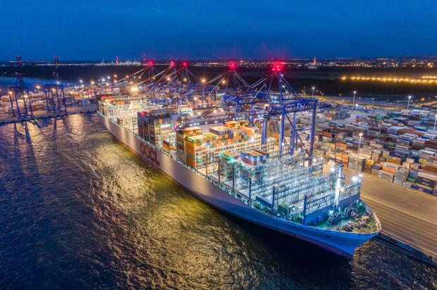 Największe jednostki wpływają obecnie do gdańskiego terminalu DCT. Tam jednak ich bunkrowania odbywają się nieregularnie i dostarczane są relatywnie małe ilości paliwa żeglugowego.